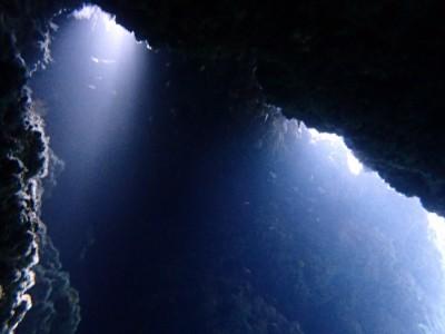ダイビング 洞窟