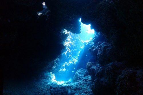 洞窟ダイビング