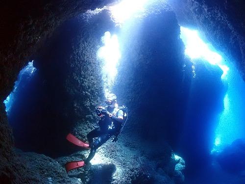 洞窟ダイバー